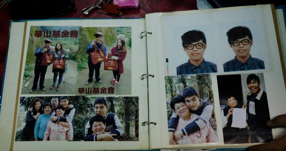 The notebook boy who commits his memories in writing